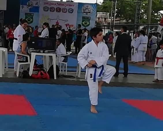 Simón Gallardo Sanhueza, 9 años, cinturón azul 5º kyu